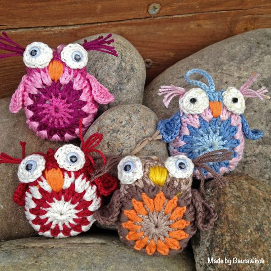 Crocheted owls made by BautaWitch. Free pattern. Site in Swedish but uses universal crochet terms.