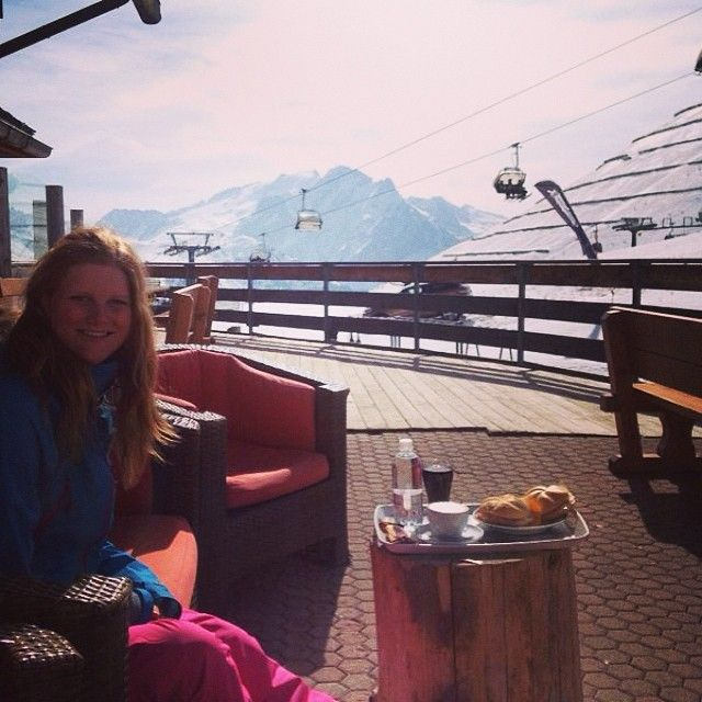 Breakfast in Col Rodella on our day off. #alpstafetten #stsalpresor #valgardena #skists #dayoff #colrodella