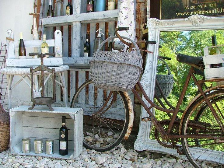 Provence bútor, fehér antikolt bútor Felújított bútorok és kiegészítők, minőségi provence technológiával.