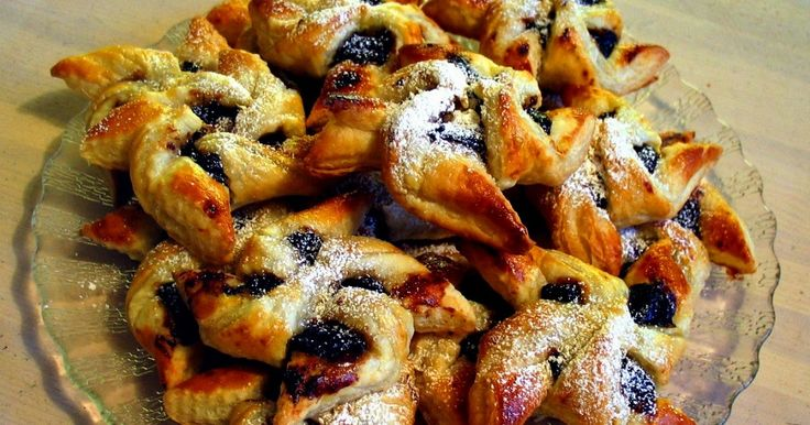 Finland Live!  se mete hoy de nuevo en la cocina . Esta vez para cocinar la conocidísima tarta de estrella de Navidad o Joulutorttu ...