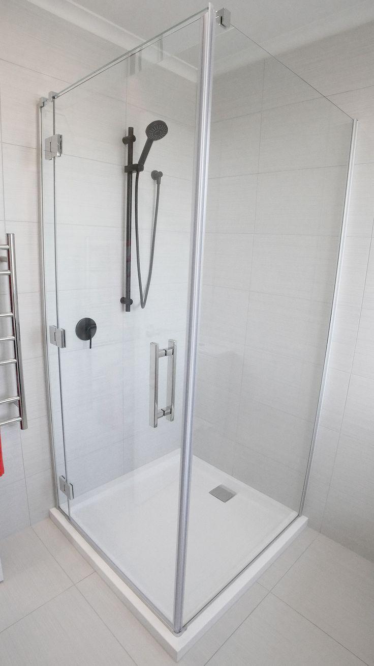 Roberston Bathware- Shower Slide (Aquabella) Splash 3 function shower kit C/W elbow, Black