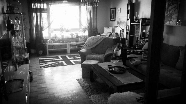Home<3