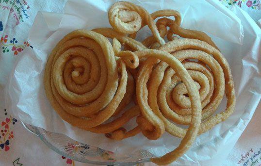 Os churros são muito cobiçados nas festas populares, mas também podem ser uma óptima opção para o lanche ou como sobremesa.
