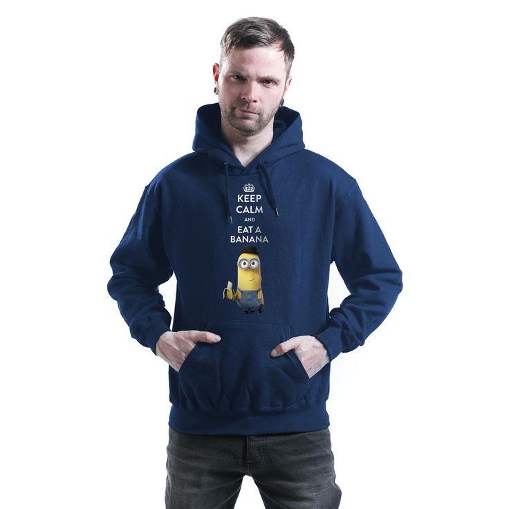"""Classica felpa uomo blu """"Keep Calm And Eat A Banana"""" dedicata ai simpaticissimi #Minions dotata di cappuccio con coulisse, tasca canguro, orlo e polsini a costine e stampa frontale."""