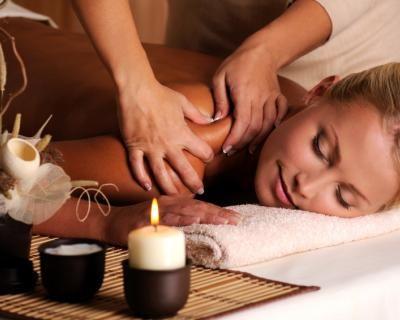 Relax totale: 3 massaggi a scelta tra connettivale, anticellulite, rassodante, sportivo, linfodrenante, antistress, californiano o ayurvedico a soli 29,9 € anziché 150 €. Risparmi l' 80%!   Scontamelo