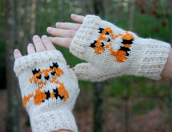 Knitting Pattern For Fox Mittens : 12 best images about Knitted Swiss Darning Projects on ...