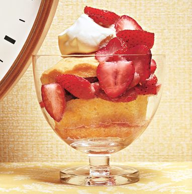 Hot Milk Cakes with Strawberries and Cream