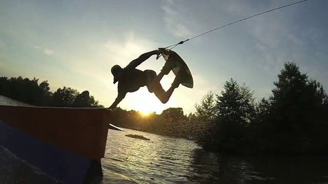 Wakeboarding Slingshot Teamrider Tobi Rittig Thulba. Check also the Wown Series from 2010-2012