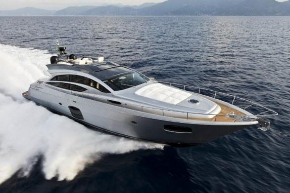 Pershing Yacht 74'