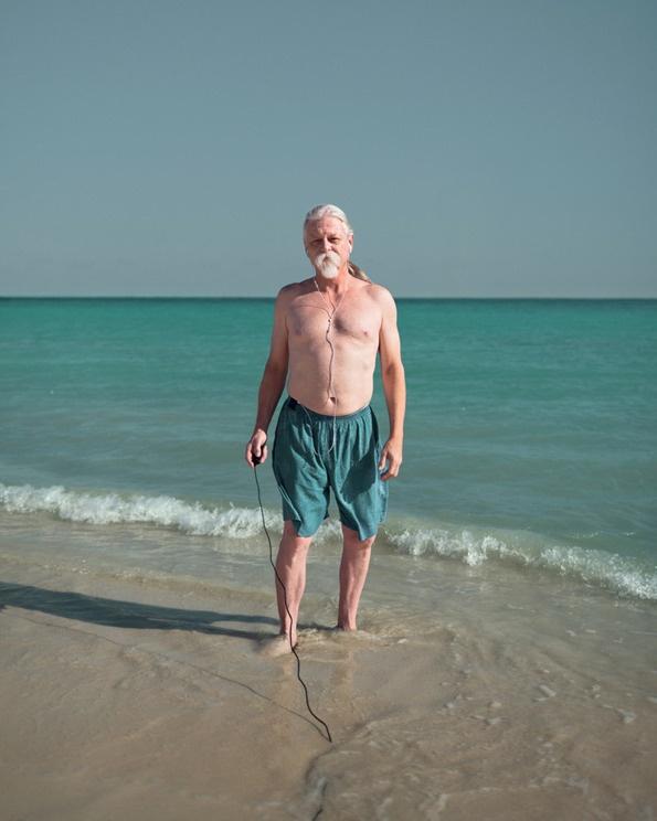 ブノワPailléは彼らのすべてのビーチ美しい服にメキシコで休暇を楽しむ人を取り込むのは:それはナイスだ