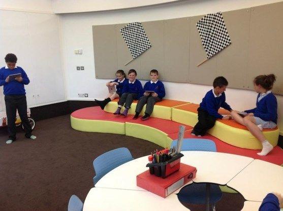 Leerlingen presteren in de klas beter op blote voeten - De Standaard: http://www.standaard.be/cnt/dmf20160524_02306290?