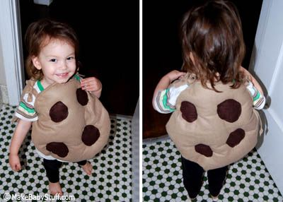 Make a cookie costume for babies or toddlers easily out of felt and stuffing.  Later, the cookies become pillows!