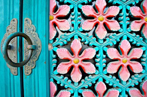 Gorgeous turquoise door with ornaments ~ Korean Architecture by KelSquire.GlobeCaptures on Flickr.