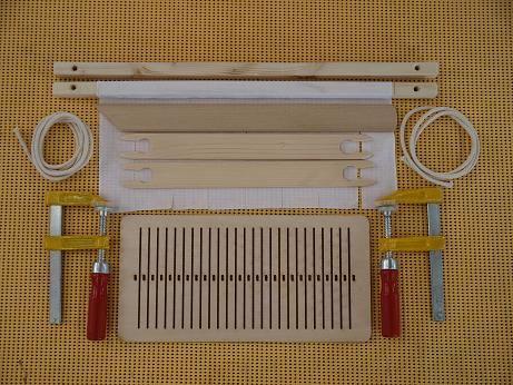 Rigid heddle back strap loom--Japan