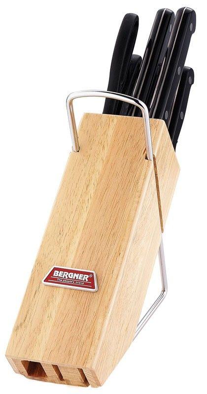 Messenblok met 6 messen merk: Bergner    .Materiaal: Roestvrijstaal/rubber wood.    .Dikte messen: 1,2-1,5mm.  Set bestaat uit:    .Chef mes,    .Broodmes,    .Tranchiermes,    .Universeel mes,    .Schilmes,    .Schaar,    .Standaard met draagbeugel.