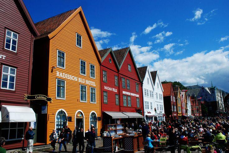 https://flic.kr/p/HM7aiy | Colorful Bryggen. | Bergen, Bryggen.  Six months in Norway.