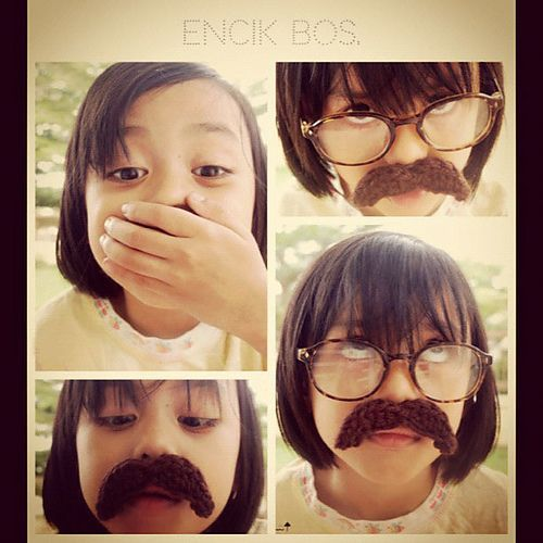 FREE Crochet Mustache Pattern and Tutorial by Lina A.R Rahmat
