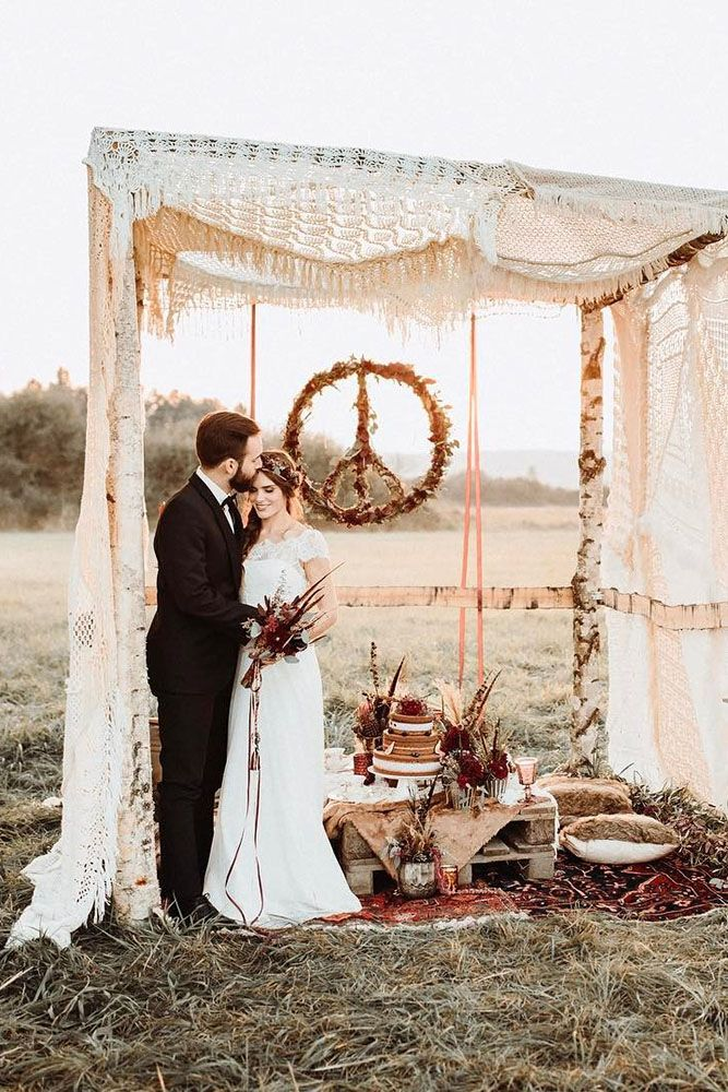 30 Wild And Free Hippie Wedding Ideas Wedding Forward Wedding Dresses Hippie Hippie Wedding Retro Wedding Inspiration