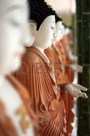 Estatua de Buda - Kek Lok Si Temple en Penang, Malasia photo