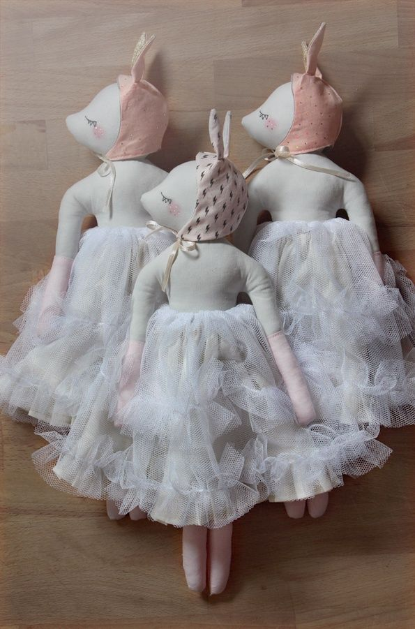 Confiture de Paillettes by Maiween Philouze | These handmade dolls would be a stunning addition to a little girls bookshelf.