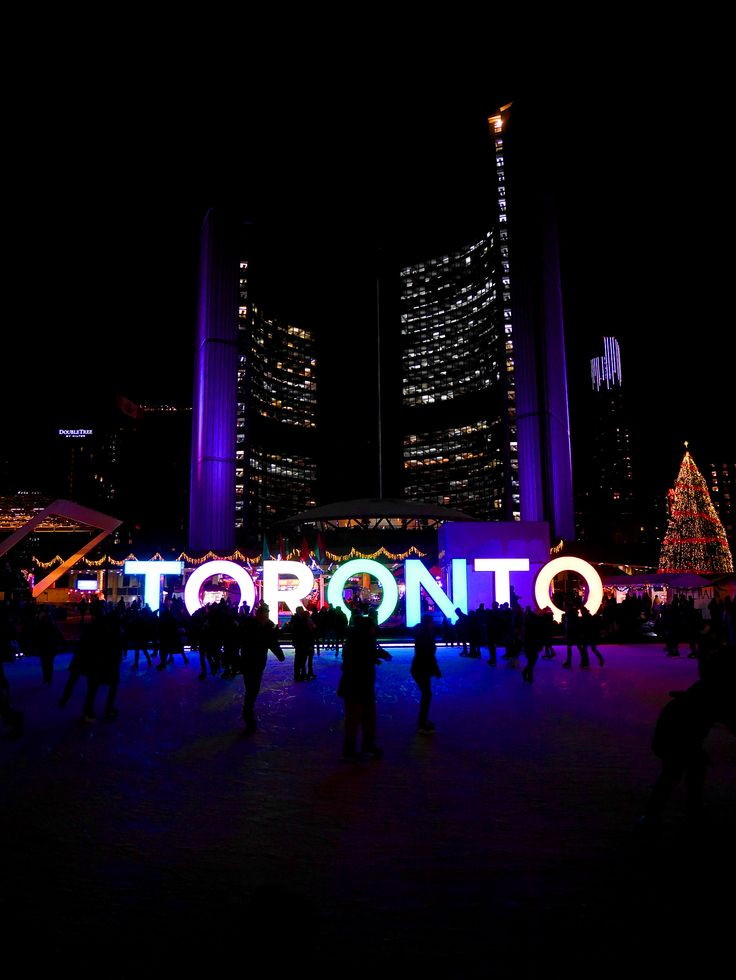 Another iconic tourist view. The city hall of Toronto, Canada