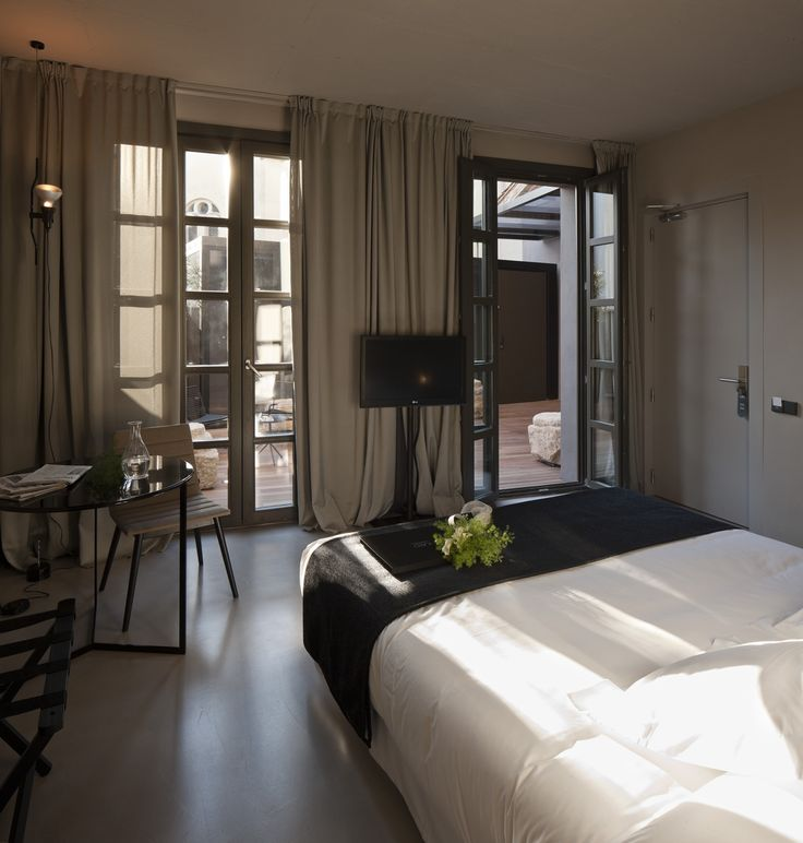 Once a palace of the Marquis of Caro, now a luxury boutique hotel in Valencia - Caro Hotel #valencia #caro #owegoo #boutiquehotel