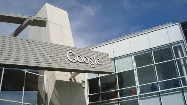 Após recurso negado impetrado pala Google em Tribunal, Polícia Federal é acionada para a prisão do Presidente da Google no Brasil. A Soberania Nacional deve está acima de qualquer norma de Empresa estrangeira ou não.