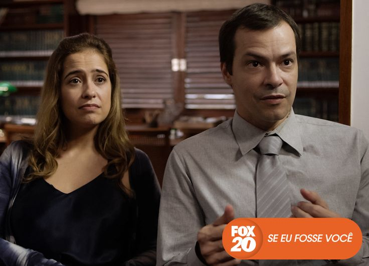 Clarice e Heitor (ou Heitor e Clarice?) continuam a se virar para atender os clientes no escritório. Se Eu Fosse Você - Quartas, 22H30  #EuCurtoFOX Confira conteúdo exclusivo no www.foxplay.com