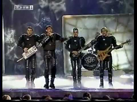 Michalis Rakintzis - S.A.G.A.P.O (Greece) Eurovision 2002 / I love it. I love every second of it.