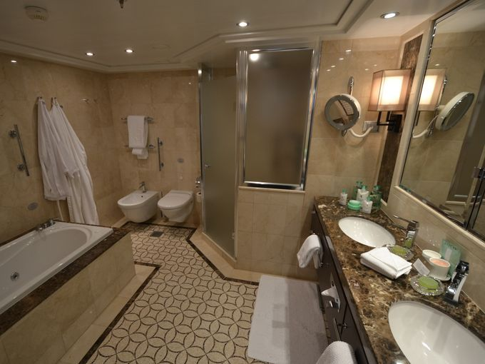 41 best images about oceania riviera on pinterest for Riviera bathrooms