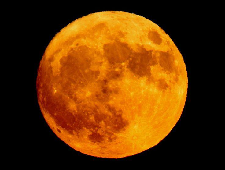 red-moon.jpg (1200×910) I love orange moons