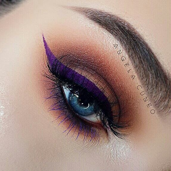 "@Regrann from @angela_cuneo -  K I L L A  @meltcosmetics ""Dark Matter"" stack  @anastasiabeverlyhills single shadow ""Fudge""  @ofracosmetics gel liner ""Killer Queen"" Get 30% off with code PINNER : https://www.ofracosmetics.com/collections/eyes/products/fixline-eyeliner-gel?variant=9024573763"