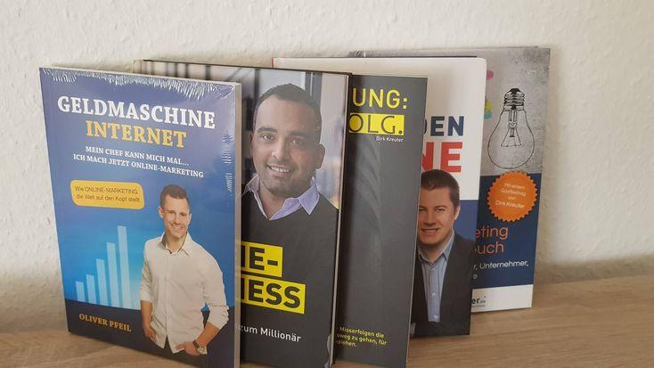 Sie sind kaum noch weg zu denken - die kostenlosen Bücher in der Online-Marketing-Welt. Die Strategie dahinter: Salesfunnel, Expertise, Neukunden und natürlich ein rasanter Listenaufbau.  Wie finanziert sich das Ganze und warum diese Bücher wertvoll für dein Online-Business sind, erkläre ich dir in diesem Beitrag.  Auch du solltest das ein oder andere kostenlose Buch bestellen.   #BoD #booksondemand #kostenlosebücher #Online-Marketing