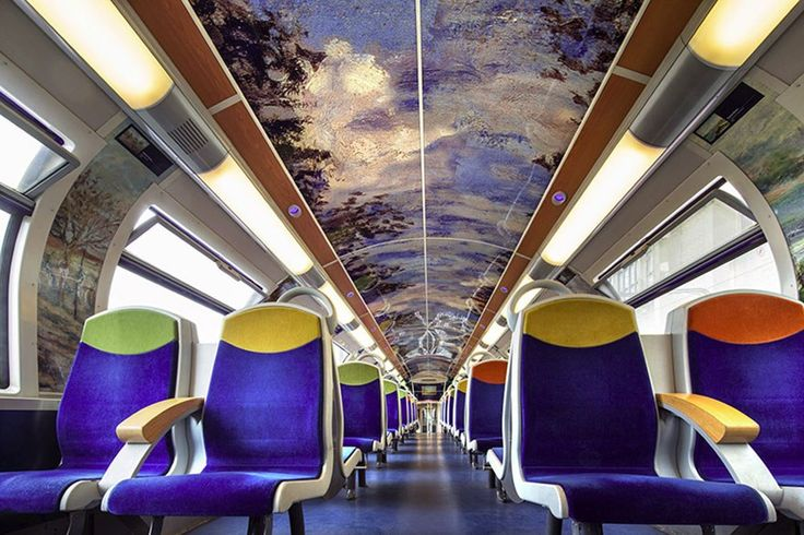 The company that manages the French railways, SNCF, decided to bring the monuments of that country to its carriages, in the impossibility of all tourists