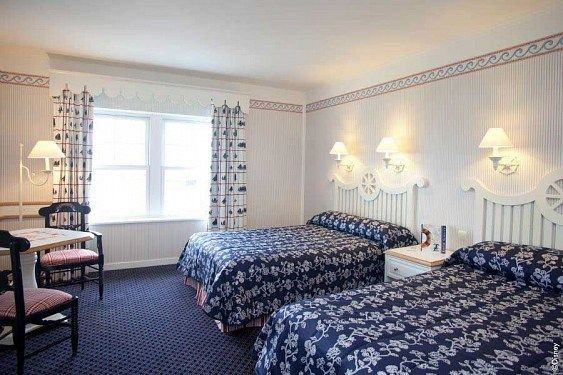 Disneyland Paris VARA 2014 - Hotel Newport Bay Club 3* - GRATUIT pentru copii pana la 12 ani + 15% reducere