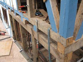 Altbausanierung: Fachwerkreparatur und Gebäudedämmung
