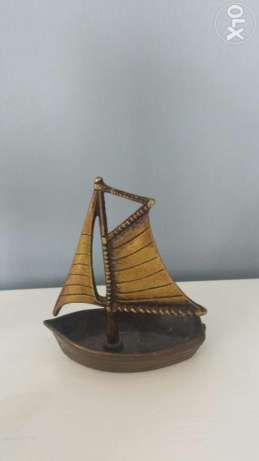 5 zł: mosiężny statek żaglówka wymiary 8,5 c ,10,5 polecam