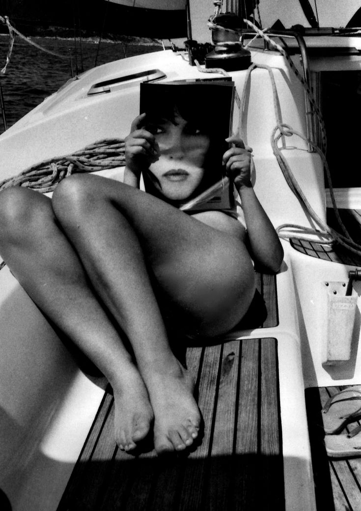 Isabelle Adjani___by Helmut Newton http://stores.ebay.es/VIP-EROTICSTORE?_rdc=1