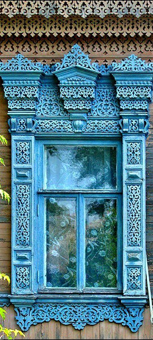 Blue - Azul - window - janela - Rússia - traditional Russian architecture unique arts