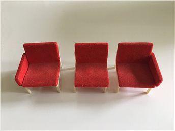 Dockskåpsmöbel Soffa röd BRIO retro (kort auktion) på Tradera.com -