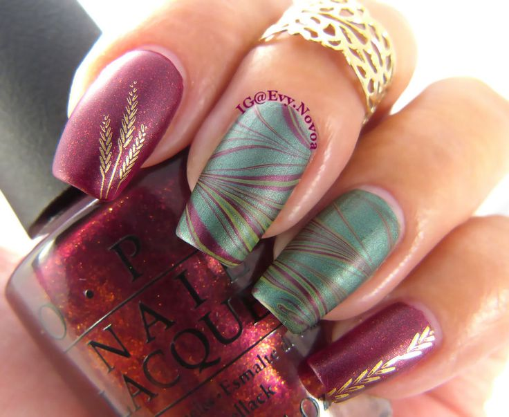 Red Silver Water Marble Nails