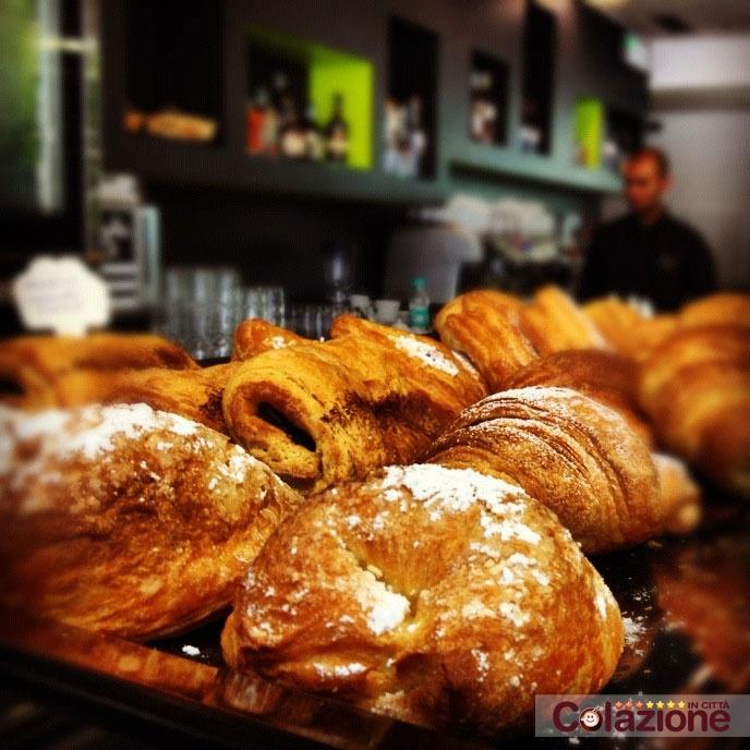 Super Colazione al Milano Bakery Cosmopolitan Brio. Grazie Sbirulino, Enjoy!