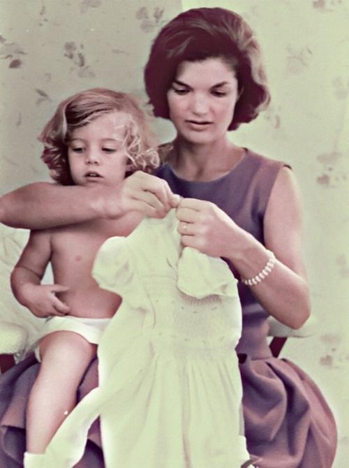 camelotkingdom:    Jacqueline and Caroline Kennedy by ~KraljAleksandar