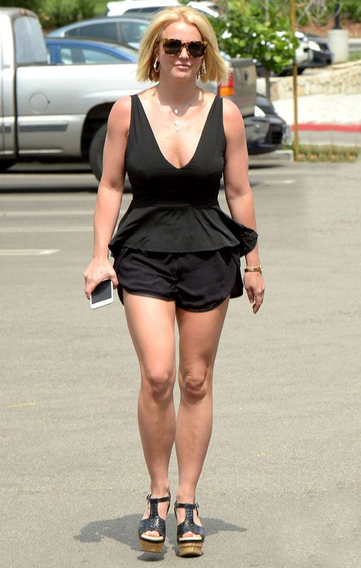 Britney Spears latest hot out stills in Thousand Oaks ...