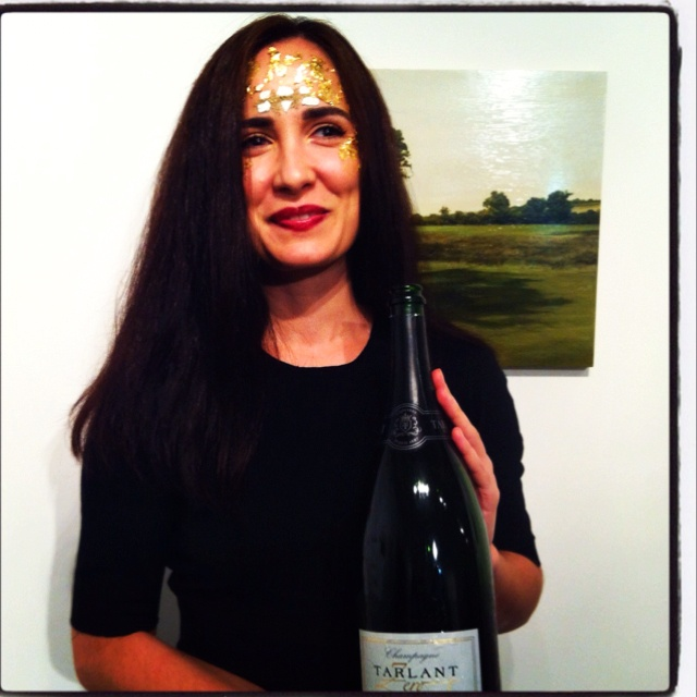 Chalk and Sparnacien soil was integrated in this terroir specific Tarlant Zero Princess Leah look!