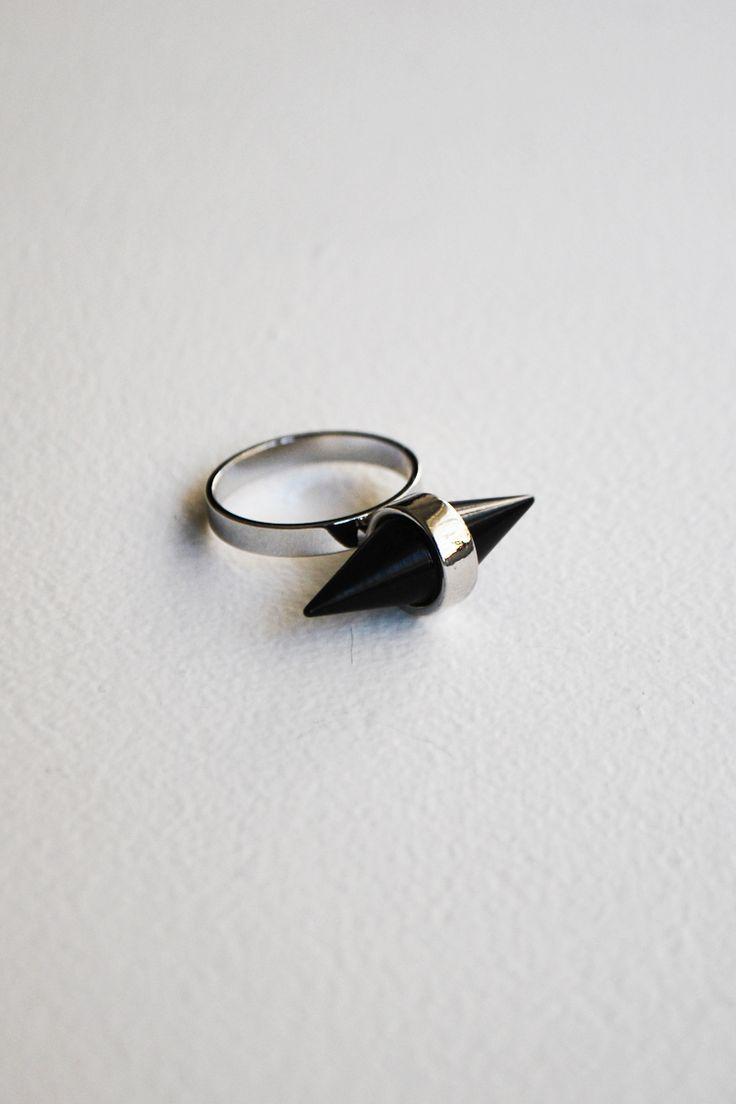 Black Spike Δαχτυλίδι - ΑΞΕΣΟΥΑΡ -> Κοσμήματα | Made of Grace