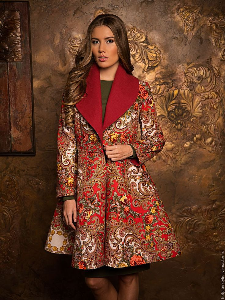 Пальто из ткани в русском народном стиле