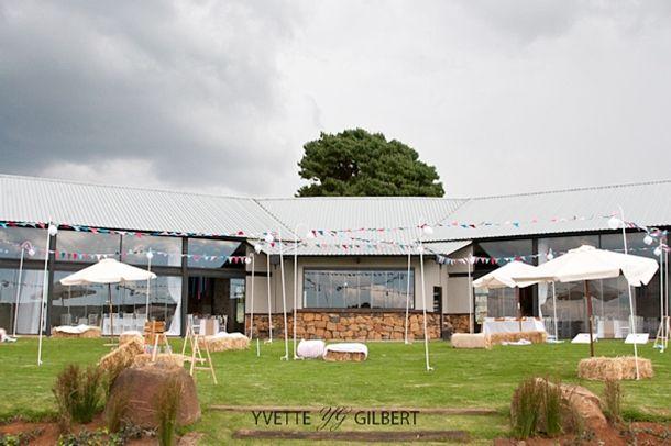 J&R011-southboundbride-netherwood-yvette-gilbert-colourful-wedding