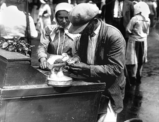 Vanzatori de inghetata, Bucuresti, 1930