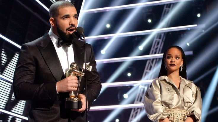 The VMAs Were a Night to Remember for Drake and Rihanna Shippers: Before Drake gave Rihanna the Vanguard Award at the VMAs, he dropped this bomb.